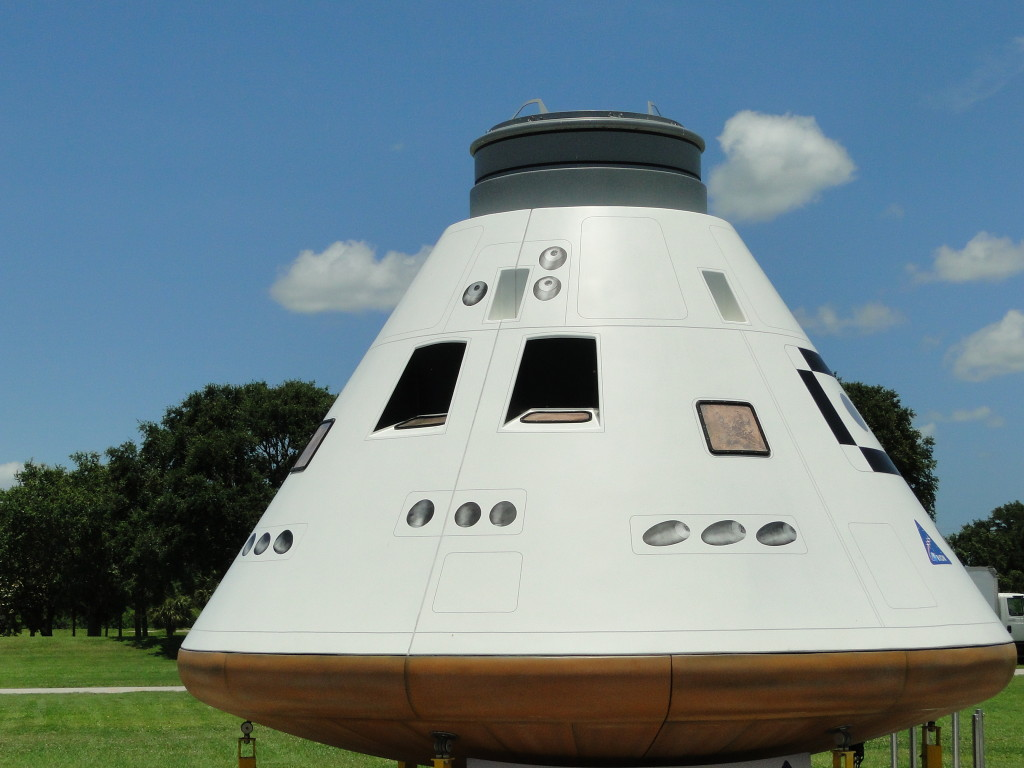 pic Orion space capsule