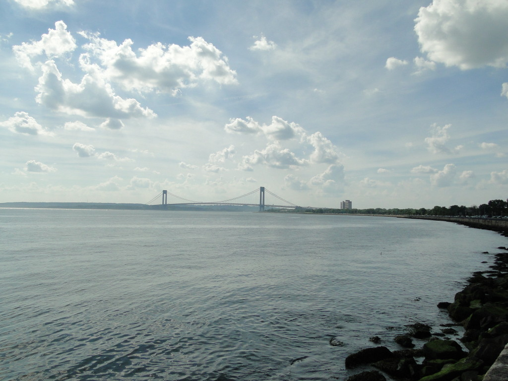 pic Veranzano Narrows Bridge